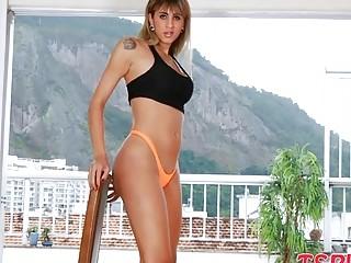 Big tits blonde - shemale porn videos @ Sunporno