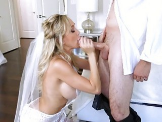 Matur bride Brandi Love shares a cock with her stepdaughter