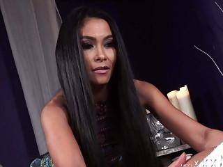 MOMxxx Horny Asian MILF Suzie Q Gives Hot Thai massage