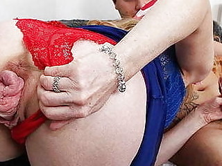 anal loving mom prolapses her cervix