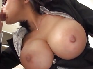 Shibuya Kaho attacks a lucky hunk for a great fuck session
