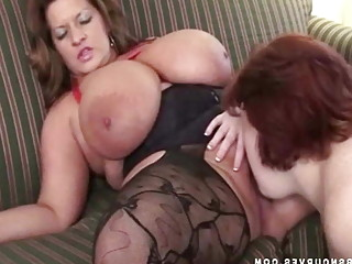 Huge tits, pornstars Maria & Sapphire eat each other out