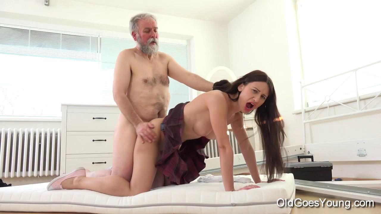 Помогла Дочери Порно