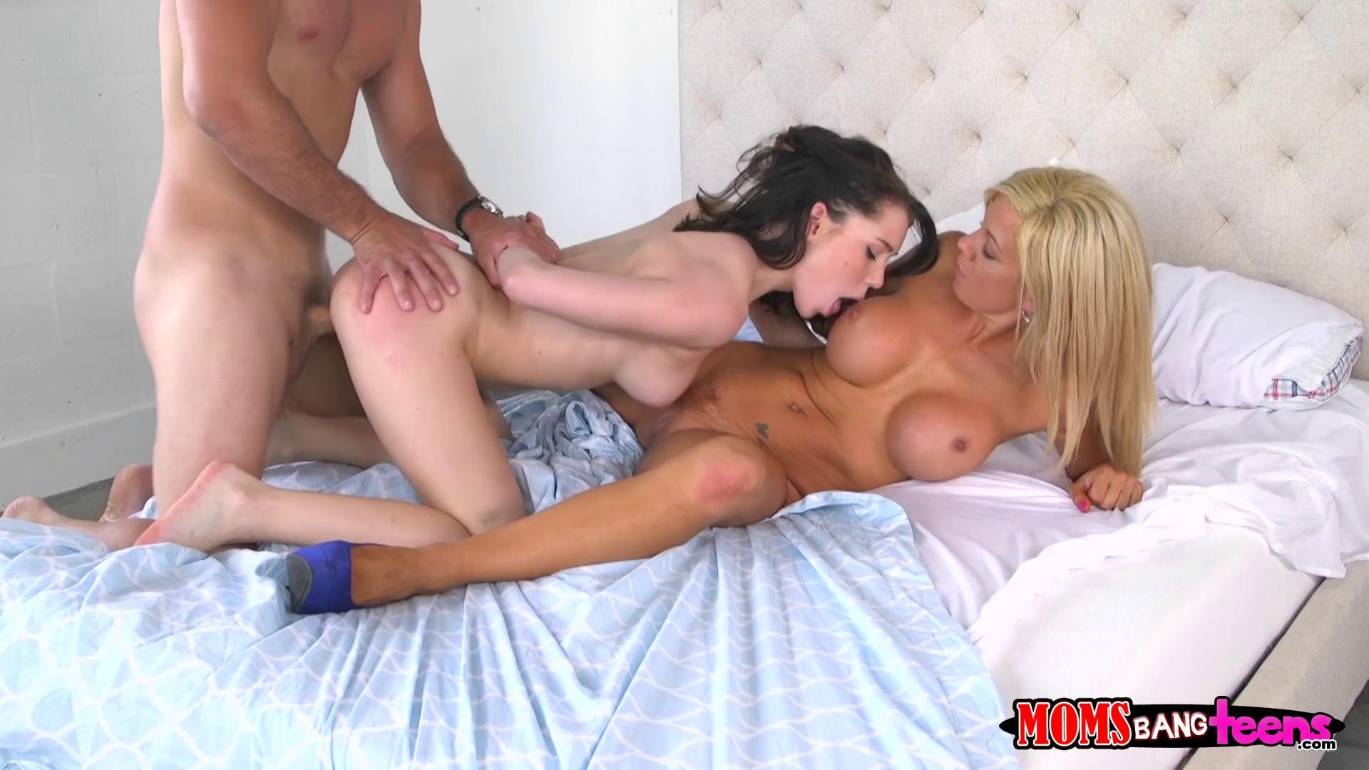 Milf Teen Masturbate Together